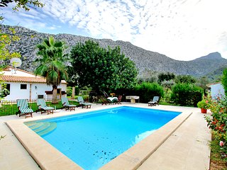 3 BEDROOM VILLA IN THE COUNTRYSIDE WITH PRIVATE POOL AND BBQ AREA