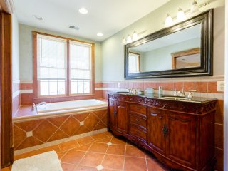 Master En Suite Bath.  Soak off the day and enjoy watching a movie on Bdrm TV w DVR HBO or Showtime.