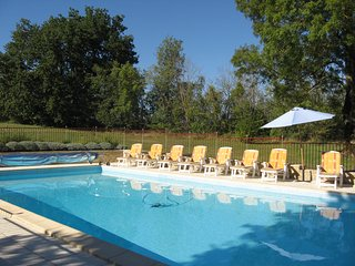 Chateau with Pool, Tennis, BBQ,  Piano