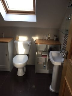 Also with en-suite Bathroom