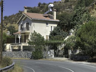 Village Villa with Pool sleeps 6 persons