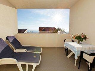 Rose Garden 5 - great sea view studio apt with breakfast for 2