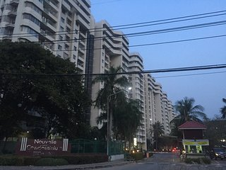 Nouvelle Condominium Thanacity Golf Club 10 mins to Suvanabhumi Airport