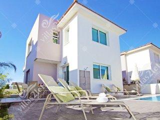 Cyprus Holiday Villa PALOMA Profile