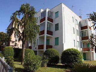Appartamento con balcone e garage vicino al mare
