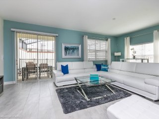 Beautiful New Champions Gate Townhome w/splash pool from $138 a night