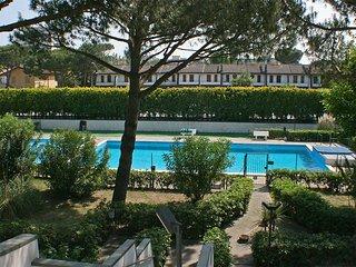 Appartamento ristrutturato in Residence con piscina in centro a 100 mt. dal mare