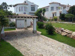 Loue Villa 4/6 pers proche Denia avec piscine et vue sur la mer