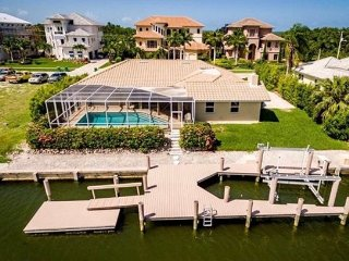 Spinnaker - SPIN581 - Remodeled Waterfront Home!