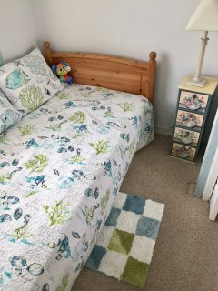 Twin Bed Small Room