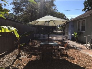 Nice & Comfy  HOUSE 3br,1bath close DOWNTOWN Area,  LIDO Beach