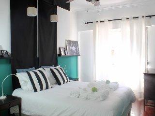 Lisbon Dreams Lapa Apartment near Estrela Garden, Tram28 & Parliament
