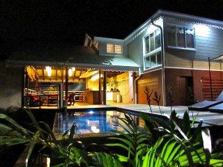 Villa creole avec piscine et vue mer pour 6 personnes