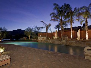 Luxury, Privacy, Unbelievable Mtn Views, Amazing Private Pool with Fountains - T