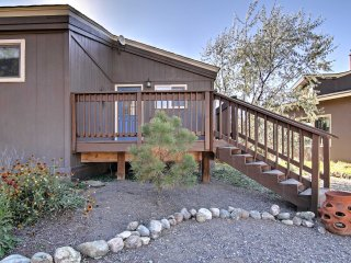 NEW! 2BR Crestone Cottage w/Sangre de Cristo Views