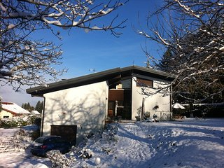 'Chez Luc' 3 pieces, 2 sdb, avec terrasse et jardin proche Thonon