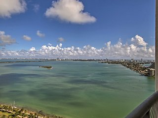 NEW! 1BR Miami Condo w/ Pool and Ocean Views!