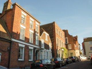 BT016 House in Rye
