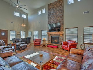 NEW! 5BR Kingston Home w/Porch-Walk to Lake Texoma