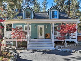 NEW! 2BR+Loft Wrightwood Home w/ Porch & Hot Tub