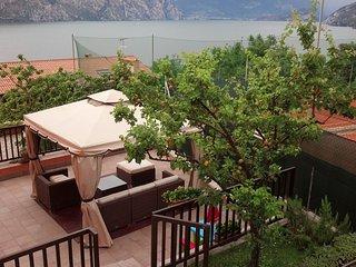 Appartamento Morena: relax a due passi dal lago e dai centri di vela e kitesurf!