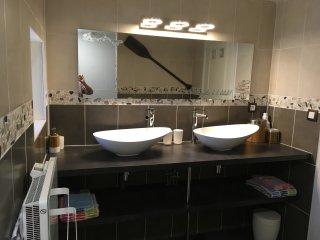 salle de bain n°1 (RDC)