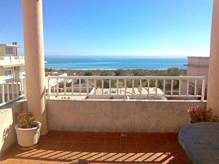 Apartamento Ático frente al mar en Playa de Oliva