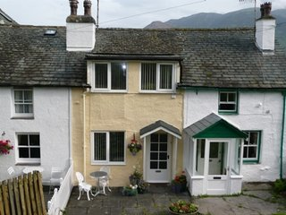 DERWENT EDGE, Portinscale, 2 bedroomed cottage  sleeps 4 people, in Portinscale