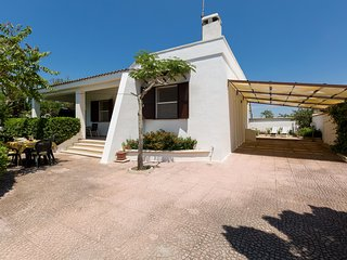 951 Small villa near the beach of Punta Grossa, Porto Cesareo