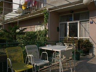 Makarska Apartment Sleeps 4 with Air Con and WiFi - 5460967