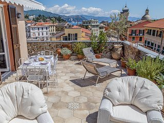 TERRACE PENTHOUSE APARTMENT with lovely sea view