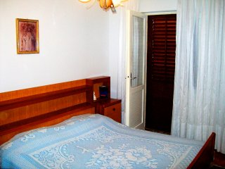Classic two bedroom apartment on Pag