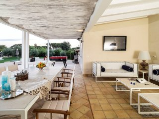 4 bedroom Villa in Syracuse, Sicily, Italy : ref 5240590