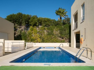 large modern bright detatched house 2 steps from the pool,WiFi,Air con