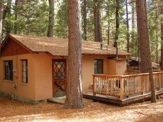 (3) Bassett Cedar Rock Cabin II