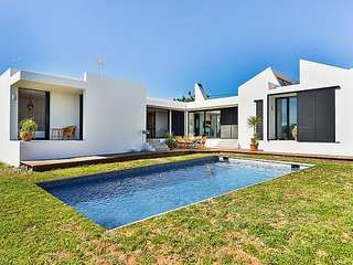 3 bedroom Villa with Air Con and WiFi - 5313260