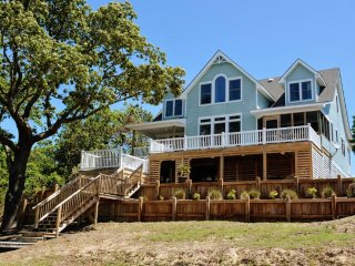 Bella Sound: 4 BR / 3 BA four bedroom house in Duck, Sleeps 10