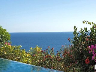 Kalkan Villa Sleeps 12 with Pool and Air Con - 5433105