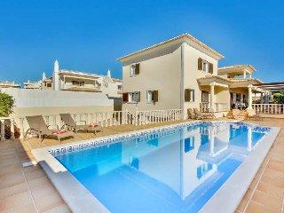 4 bedroom Villa in Sao Rafael, Faro, Portugal : ref 5511898