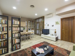 Comfy at the Coliseum, Your Vacation Home away from Home, in the centre of Rome