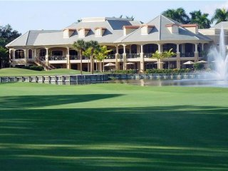 Naples Stonebridge Golf & Country Club and beautiful white sand Vanderbilt Beach