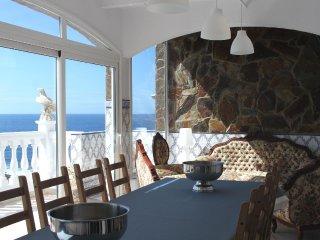 Grande maison de 240m2 avec vue panoramique sur l'ocean pour 8 personnes 4ch