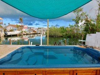 FL Keys Waterfront Pool Home 2 Bedrooms Sleeps 8 w/ 60 Feet of Dockage