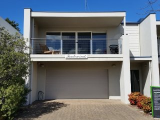 Port Elliot Tradewinds Beach House Holiday Rental by Encounter Holiday Rentals