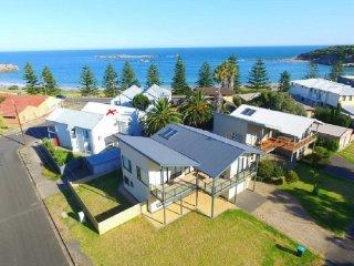 Port Elliot Beachcomber Beach House on Horseshoe Bay, Encounter Holiday Rentals