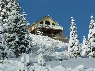 'Alta Vista Chalet' in Tahoe-Donner, CA -- stunning panoramic mountain vistas