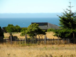 Spectacular Ocean Views -- 'Bella Vista' at Sea Ranch -- on a knoll