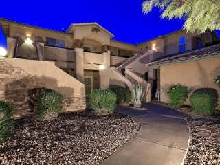 Luxury 2BR/2BA resort-like townhome in prime Scottsdale near golf and mtn views