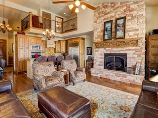 Stunning lakeview townhome with hot tub offers easy access to skiing and lake!