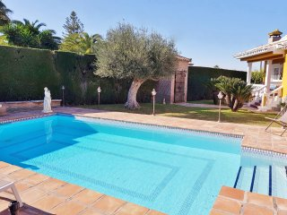 Villa El Sauce. Fabulous villa with private salt water swimming pool & WIFi